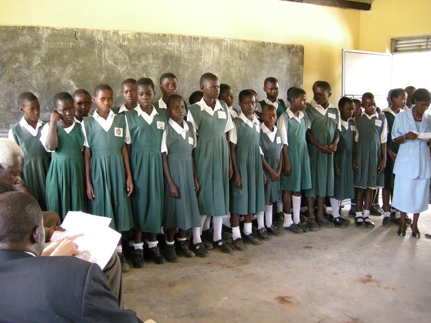 DOPO IL LOCKDOWN, IN UGANDA E TOGO RIAPRONO LE SCUOLE. Un accorato appello per aiutare il ritorno a scuola!