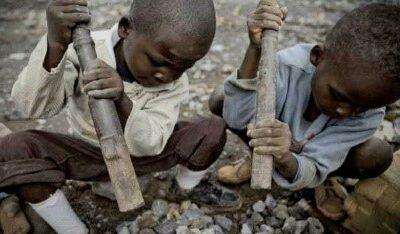 RICCHI MA POVERI – Il Congo nei nostri cellulari